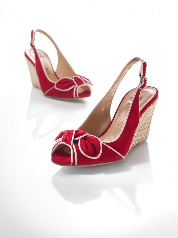 Hohe Schuhe rot mit schleife-fokuspunkt-Werbefotograf-Berlin-Tempelhof