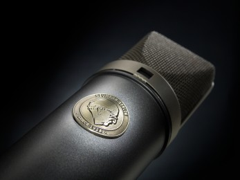 Mikrofon im Detail-fokuspunkt-3DVisualisierungen-Werbefotografie-Werbefotograf-Fotograf-Berlin-Tempelhof
